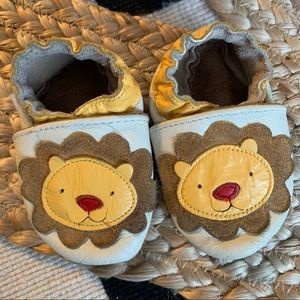 0-6 month soft sole lion Robeez